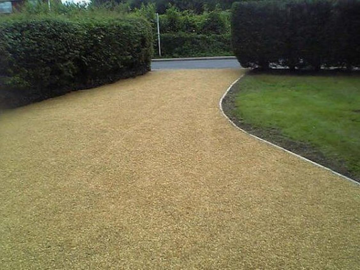 Why Tar And Chip Driveway Is Still The Best Option?