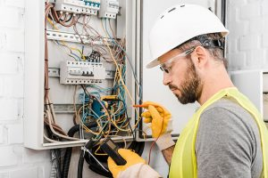4 Important Questions To Ask While Hiring Electrical Contractors
