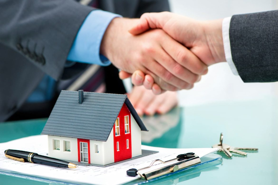 Why Is It Better To Hire Local Estate Agents?
